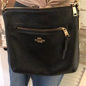 COACH HOBO BLACK LEATHER BAG GOLD ACCENTS